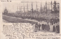 Cpa 65 LES QUAIS DE PAIMPOL LE JOUR DE LA BENEDICTION DES GOELETTES D ISLANDE 1901 - Pêche