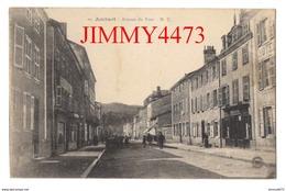CPA - Avenue Du Pont, Bien Animée - M. C. - AMBERT 63 Puy De Dôme - N° 10 - Edit. Manxhard Et Chastreix - Ambert