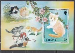 Jersey 2002 - Cats, Michel Block 34, MNH** - Jersey