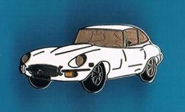 1 PIN'S  //  ** JAGUAR TYPE E / SPORTIVE DE PRESTIGE ** . (Démons & Merveilles ©) - Jaguar