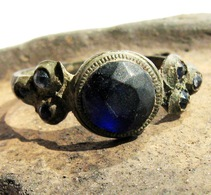 Ancient Medieval Bronze Ring With Inlays - Archeologia