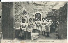 ROQUEFORT   (  AVEYRON  ) FABRICATION DU FROMAGE ._ LA RENTRÉE EN CAVE - Roquefort