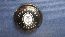 CAPSULE CHAMPAGNE THEOPHILE. Noir Mat - Zonder Classificatie