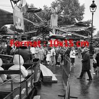 Reproduction D'une Photographie Ancienne De Manèges à La Foire Du Trône à Paris En 1961 - Reproductions