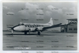 Jersey Airlines De Havilland Heron At Guernsey Airport By Guernsey Press 1960s Postcard  G-ANLN - 1946-....: Era Moderna