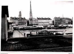 8628- 2019  PHOTOGRAPHIE ROUEN 1940   LA CATHEDRALE VUE DE LA RIVE GAUCHE DE LA SEINE ET LE QUAI DE PARIS - Andere