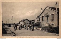 3377-2019 LE VERT GALANT  RUE DE ECOLES - Francia