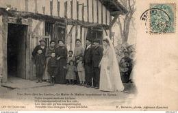 9917 -2018     UNE NOCE DANS LES  LANDES   LE MAITRE DE MAISON INTRODUISANT LES EPOUX - France