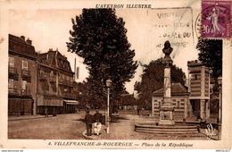 45-2019   VILLEFRANCHE DE ROUERGUE   PLACE DE LA REPUBLIQUE - Villefranche De Rouergue