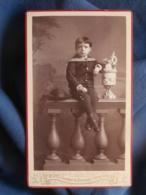 Photo CDV  F. Michel à Gand  Jeune Garçon Assis  Beau Costume Et Chapeau Rond  CA 1885-90 - L458 - Photos