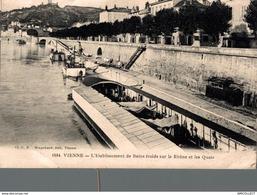 2729-2019     VIENNE     L ETABLISSEMENT DE BAINS FROIDS SUR LE RHONE ET LES QUAIS - Vienne