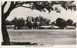 Carte Postale Ancienne De Gambie - Bathurst - Gambia - Secretariat Building - Gambie