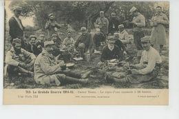 GUERRE 1914-18 - FRONT NORD - Le Repas D'une Escouade à 10 Heures - Guerre 1914-18