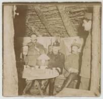 Guerre De 1914-18 . Deux Photos . Abri à La Cote 170 . Colonel Des Dragons , Médecin Major (noms Au Dos). Noël 1914 . - Krieg, Militär