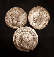 Lot Antoniniens Pilippe, Valerien, Salonina - 5. The Military Crisis (235 AD Tot 284 AD)