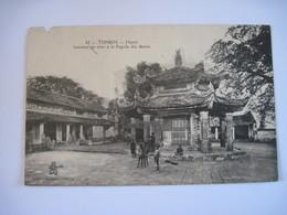 CPA TONKIN Intérieur De Cour à La Pagode Des Dames TBE Voir Abimé En Haut A Gauche - Viêt-Nam