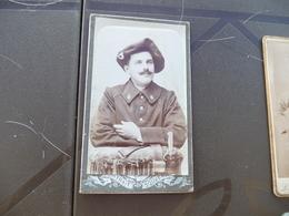 Photo CDV Ancienne Militaire Militaria Chasseur Alpin 6 Au Col - Guerre, Militaire