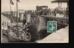 LAROCHELLE/007.....DEBARQUEMENT DES PASSAGERS - La Rochelle