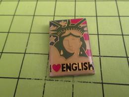 1317 Pin's Pins / Rare Et  Belle Qualité !!! THEME : AUTRES / STATUE DE LA LIBERTE I LOVE ENGLISH But Not Boris Nor Dona - Sonstige