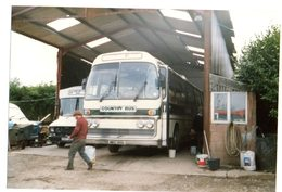 35mm ORIGINAL PHOTO BUS UK COUNTRY BUS HONITON TOWN DEVON GARAGE - F151 - Photographs