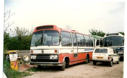 35mm ORIGINAL PHOTO BUS UK COUNTRY BUS HONITON TOWN DEVON GARAGE - F152 - Photographs