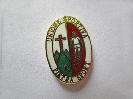 U.S. Pietra Sport Calcio Distintivi FootBall Pins Soccer Spilla Italy Savona Pieve Ligure - Calcio