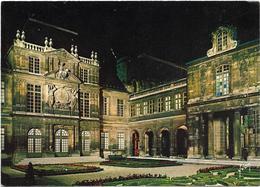 CPM - édit. YVON - 9 11 - PARIS - Les Hôtels Du Marais - HÔTEL CARNAVALET - Bar, Alberghi, Ristoranti