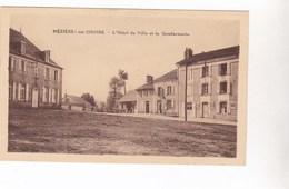 Cpa MEZIERE SUR ISSOIRE L HOTEL DE VILLE ET LA GENDARMERIE - Meziere Sur Issoire