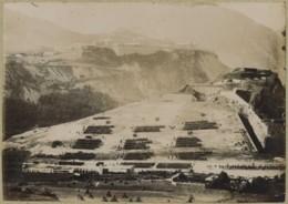 Hautes-Alpes . Revue Passée Le 14 Juillet Au Champ De Mars De Briançon . Fort Des Têtes . Château . Citrate Circa 1900 . - Oud (voor 1900)