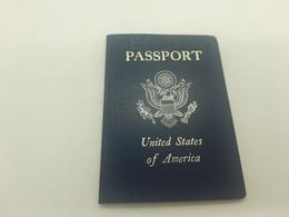 1984 USA Passport Passeport Reisepass Issued In New Orleans - Documenti Storici