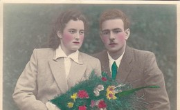 AK Junges Paar Mit Blumenstrauß - Mezica - 1945 (43055) - Paare