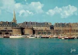 Saint Malo Le Port Des Yachts Et La Grande Porte   CPM Ou CPSM - Saint Malo