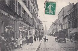 SAINT-DENIS - La Rue De La République - Phonographes - Librairies - Voiture - Animé - Saint Denis