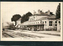 CPA - GUINGAMP - La Gare - Les Quais, Les Voies - Arrivée Du Train, Animé - Guingamp