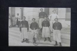 FRANCE - Carte Postale Photo - Personnages Avec Vélo - Photographe De Tunis - L 40990 - A Identifier