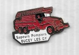 Pin' S  Ville, Camion  Rouge, SAPEURS  POMPIERS  De  BUCEY  LES  GY  ( 70 ) - Pompiers