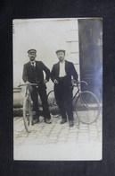 FRANCE - Carte Postale Photo - Personnages Avec Vélo - L 40991 - Postcards