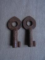 Ancien - 2 Mini Clés - Autres Collections
