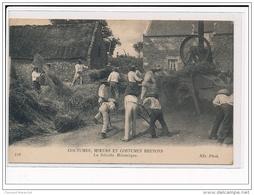 COUTUMES, MOEURS ET COSTUMES BRETONS : La Récolte Mécanique - Très Bon état - Autres Communes