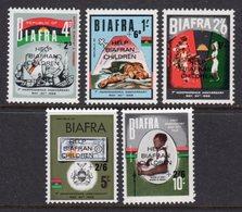 NIGERIA BIAFRA - 1968 SET (4V) O/P HELP BIAFRAN CHILDREN FINE MNH ** SG SEE NOTE BELOW SG 17-21 - Nigeria (1961-...)