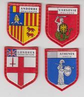 ECUSSON PLASTIQUE X4  Collection SERIE DES GRANDES CAPITALES De DANONE / Andorre,londres,varsovie,athène - Ecussons Tissu