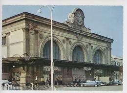 Lyon : La Gare Perrache (cp Vierge N°227 Combier) Citroën Ds Panhard Renault 4 L - Otros