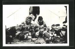 AK Eskimos Drilling Ivory And Making Mukluks - Etnie & Culture