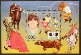 FOOTBALL - MONDIAL MEXICO 86 - Joueur Argentine Diego MARADONA - Bloc Corida, Lasso... - Timbre Républ. Centrafricaine - Coppa Del Mondo