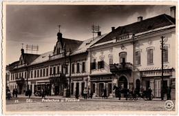 DEJ / CLUJ : PREFECTURA Si PRIMARIA : FARMACIA... / LIBRARIA... - CARTE VRAIE PHOTO / REAL PHOTO ~ 1940 (ac772) - Rumänien