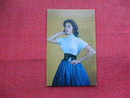 """Valerie's """" New Young Look""""  Belt  Valerie's Products  Long Island City NY          -ref    3573 - Advertising"""