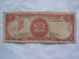 Trinidad Et Tobago : Central Bank Of Trinidad And Tobago. Billet De 1 Dollar. Avec Signature William R. D(?) Governor - Trinidad En Tobago