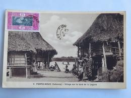 C. P. A. : Benin, Dahomey : PORTO-NOVO : Village Au Bord De La Lagune, Timbre En 1934 - Benin