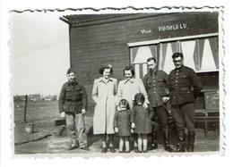 Petite Photo 8 Cm X 5,5 Cm - 1940 - Edeghem (champ) - Edegem - Villa Honolulu - Militaires - 2 Scans - Lieux