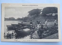 C. P. A. : Benin, Dahomey : Le Bain Dans Le Fleuve, Animé - Benin